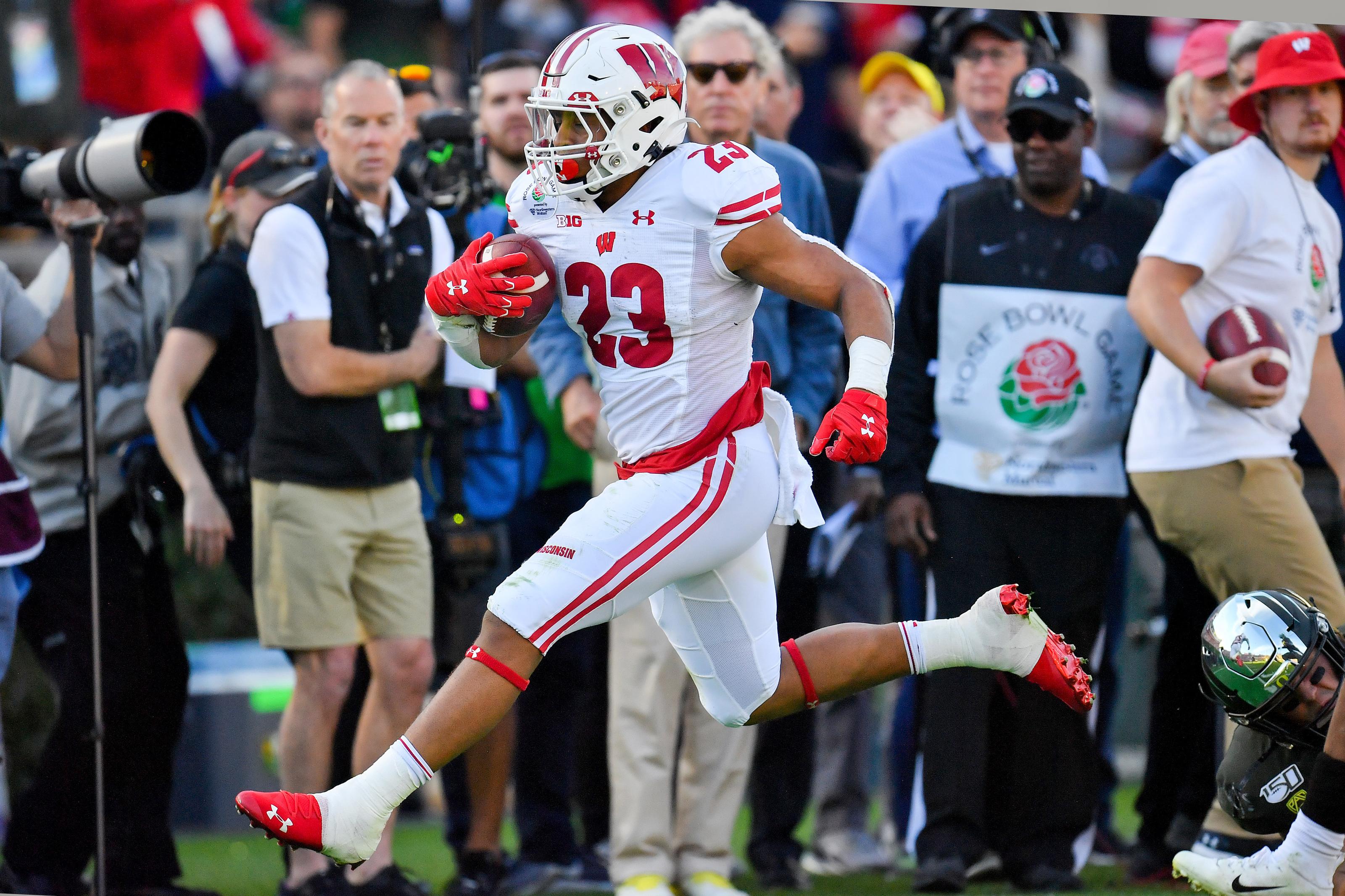 Wisconsin Football: Badgers Mock Draft Roundup 2.0